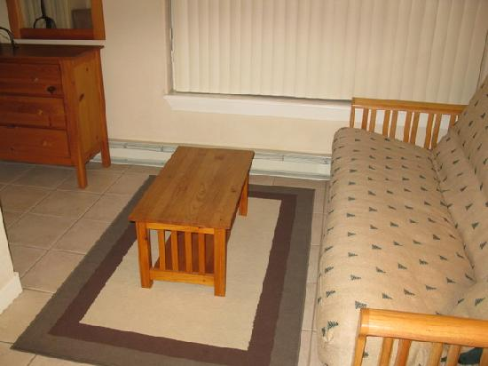 Swan Mountain Resort: Sun Room w/futon - 1 Bedroom Unit