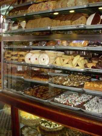 Roxy Delicatessen : Desserts