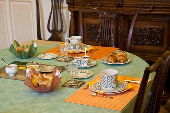 Breakfast Room Detail