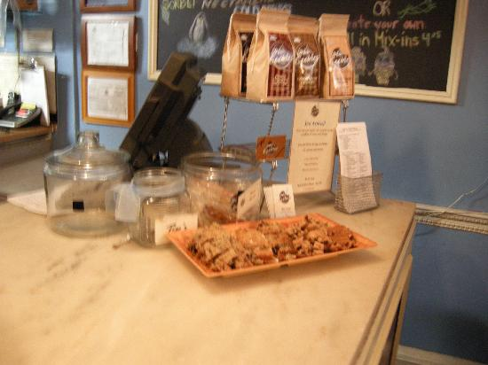 Milk and Cookies Bakery: More yummy treats!