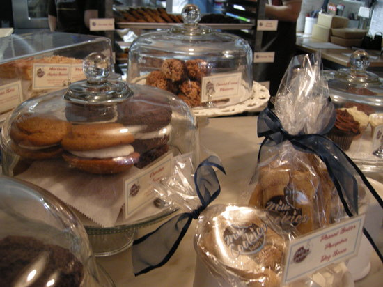 Milk and Cookies Bakery: Delicious Delictables!