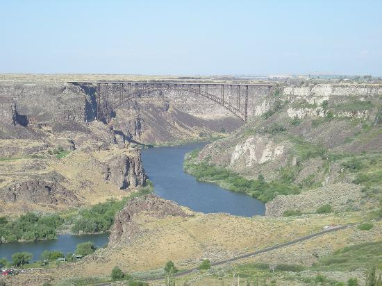Idaho: Bridge over Snake River Canyon