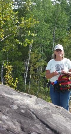 Mountain Village Farm B&B: Lisa Innkeeper) took us on a hike! Excellent guide!