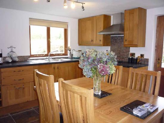 Slate Mill Lodge: Self-catering kitchen