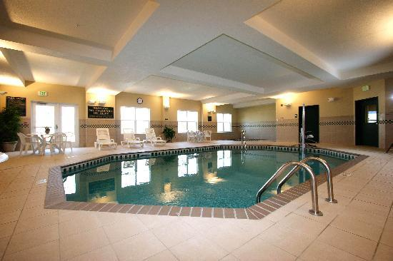 Country Inn & Suites By Carlson, St. Cloud East: Relaxing & Fun Pool Area