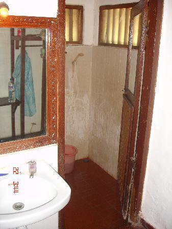 Nirwana Seaside Cottages : Bathroom Standard Bungalow #2