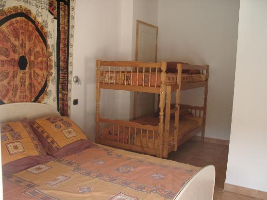 La villa Morena : Chambre Sud-Est pour 5 personnes