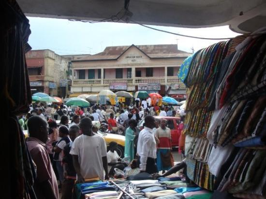 busy Kumasi centre