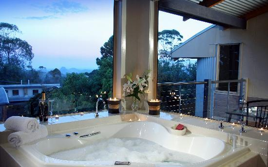 Maleny Terrace Cottages: Penthouse Villa - Spa Views