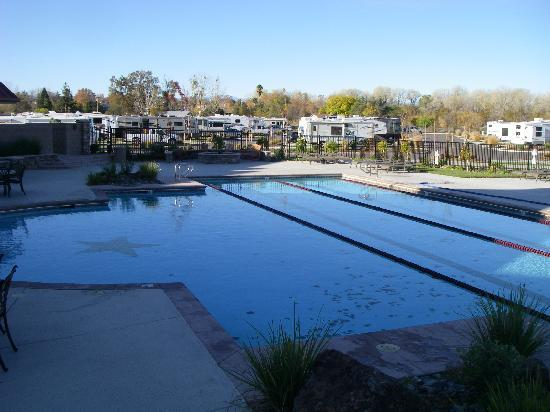 Durango RV Resort: Pool and Hot tub,