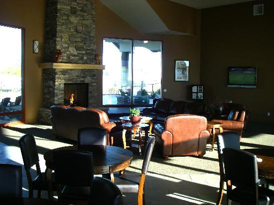 Durango RV Resort: Comfortable lounge