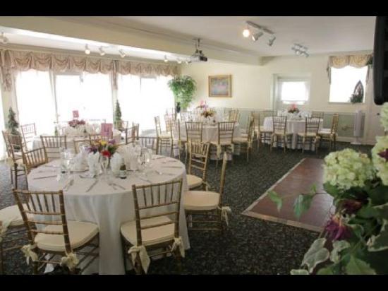 شيمني هيل فارم ستيت: Carriage House Weddings