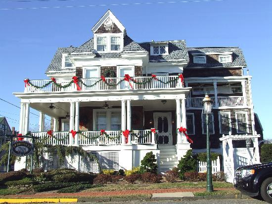 We were greeted by a Cheery Christmas view of the Victorian Lace Inn as we pulled up.