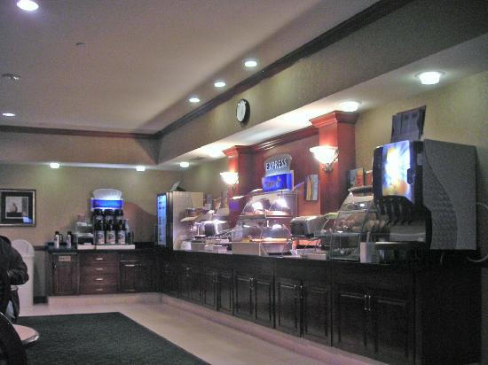 Holiday Inn Express Las Vegas South: Breakfast buffet