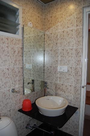 Sandhya Lodge : comfort room toilet