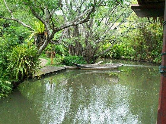 Sampran Riverside: River in the rose garden