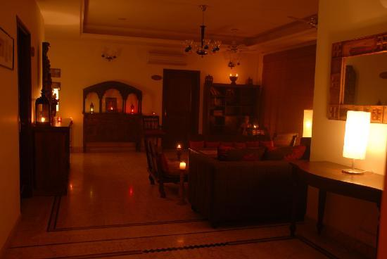 Shanti Home: Krishna Lounge
