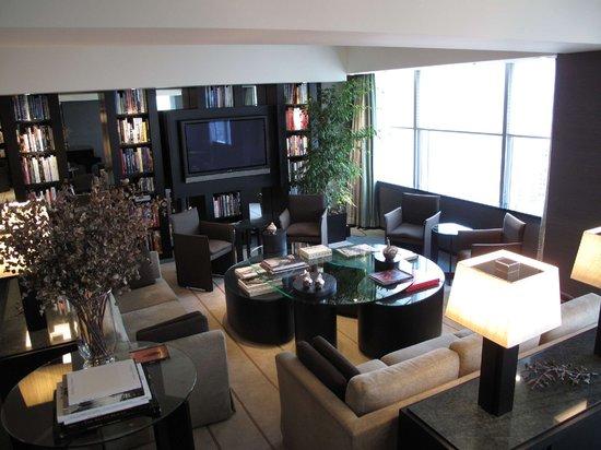 Park Hyatt Tokyo: Living Room (Tokyo Suite)