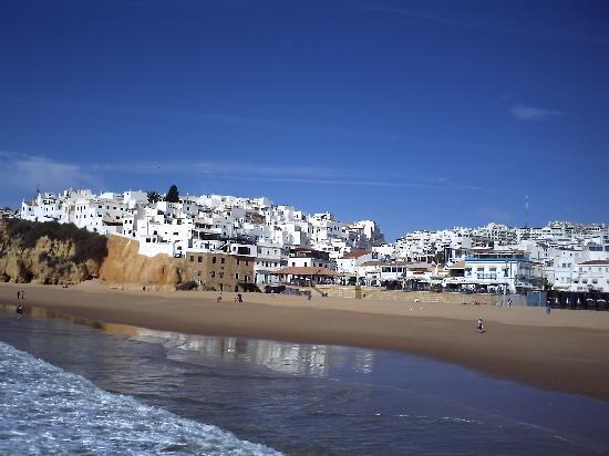 Cheerfulway Alto do Moinho: the beach