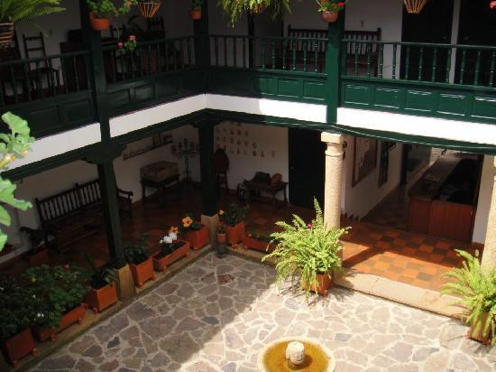 Hotel Antonio Narino: patio
