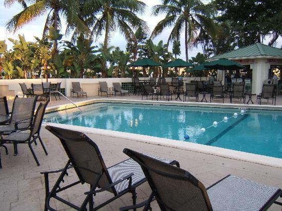 Boca Raton Plaza Hotel and Suites: La piscine