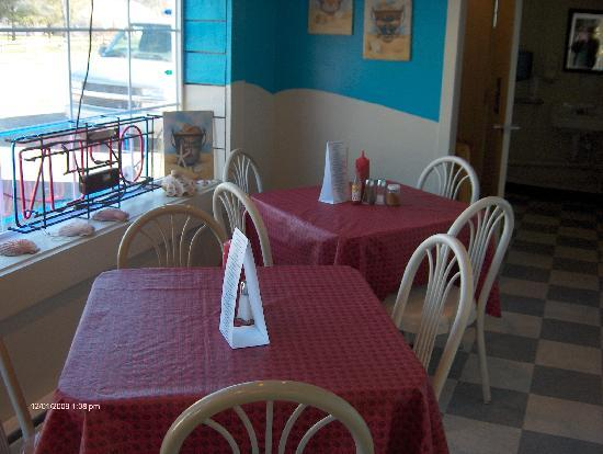 Sherrill Seafood House: Eating area small and cozy, waitresses friendly, food good!