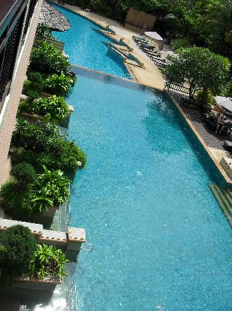 Krabi La Playa Resort: 2 of the 3 pools, from the balcony