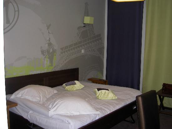 Lagrange City Apart'Hotel Paris Boulogne: Folding bed - not so comfortable