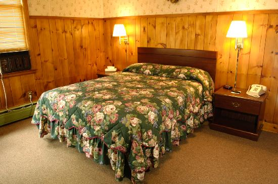 Amanda's Village Motel: Typical Queen Room