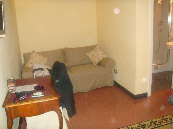 Casa de'Fiori: room