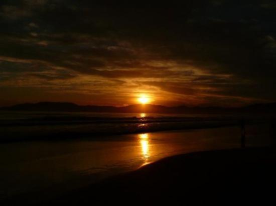 Itapema, SC: amanecer en Meia Praia