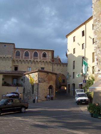 San Casciano dei Bagni, Italy: San Casciano's piazza