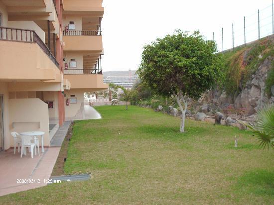 Terrasse chambres picture of hovima jardin caleta la for Aparthotel jardin la caleta tenerife