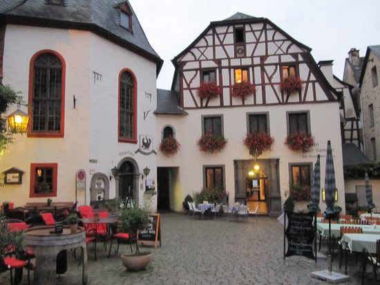 Hotel Haus Lipmann: hotel courtyard