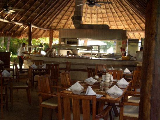 Laguna Suites Golf & Spa: Main lobby
