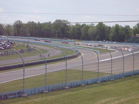 Watkins Glen International : The start of the race, DP's coming into turn 1.