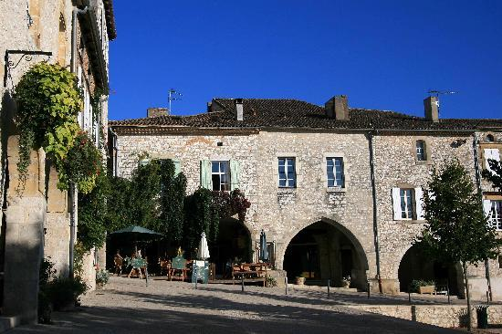 My Little French House : Main square of Monflanquin