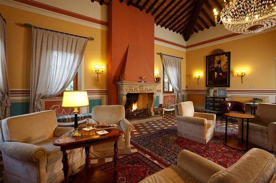 Il Piccolo Castello Hotel: La Hall