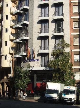 Hotel Medicis: Exterior
