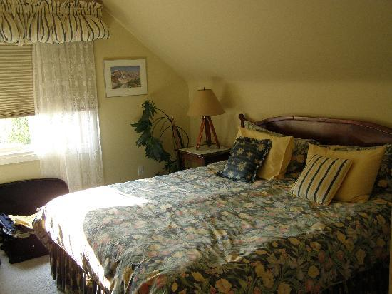 Mountain Home Bed and Breakfast: Amazingly comfy bed