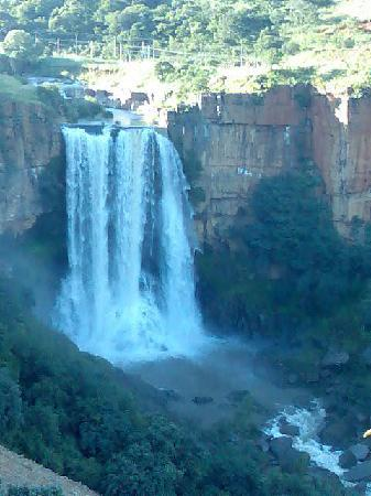 Acra Retreat - Mountain View Lodge - Waterval Boven: Waterfall