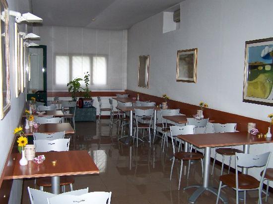 Hotel Monteverde & Austria: Restaurant (breakfast only I believe)