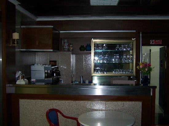 Hotel Monteverde & Austria: Espresso bar