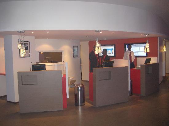 Novotel Dakar: Reception