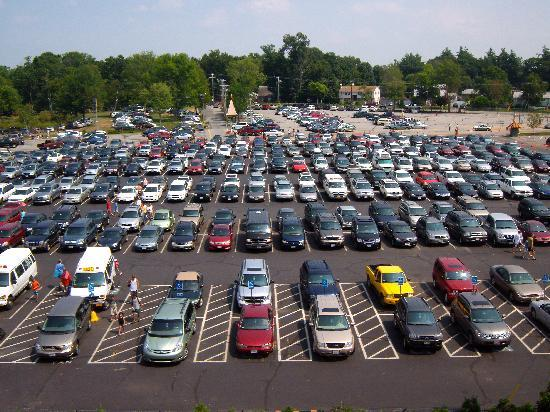 Salem, NH: All the parked cars!