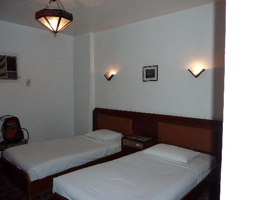 Santana Hotel: beds
