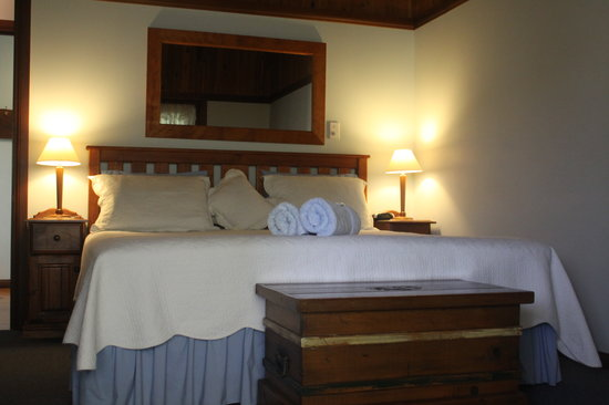 Debbies Place: Spacious bedrooms with queen or king size beds