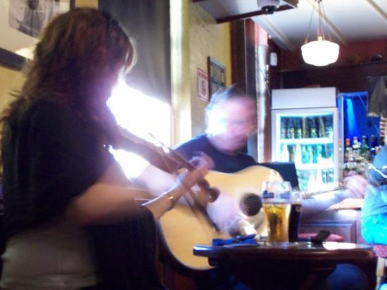 Traditional Irish Musical Pub Crawl: Musical Pub Crawl in Dublin