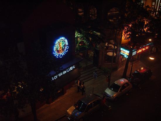 Hotel Milan: vista en la noche