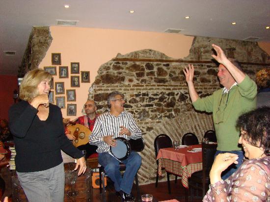 Galata Restaurant & Bar: Dancing to the music at Galata